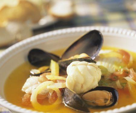 Fischsuppe auf Marseiller Art mit Aioli