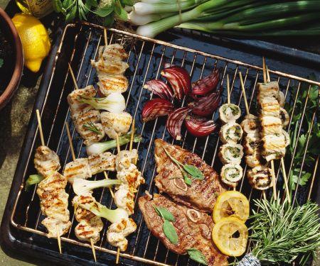 Fleisch und Geflügel vom Grill