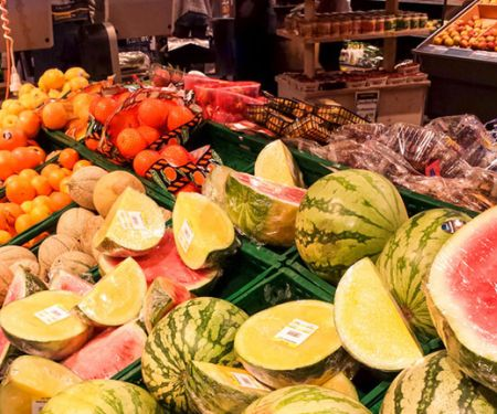 Verdorbenes Obst und Gemüse im Supermarkt
