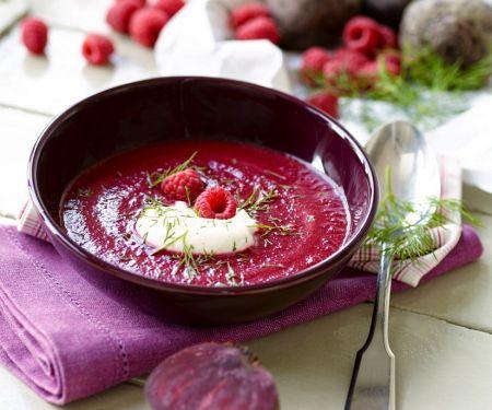 Fruchtige Rote-Bete-Suppe mit Himbeeren