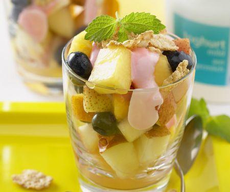 Fruchtsalat mit Joghurt