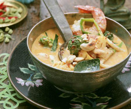 Garnelen-Curry mit Brokkoli und Cashewkernen