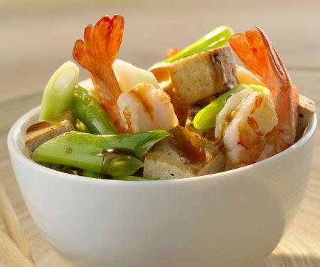 Garnelenschwänze mit Tofu und Lauchzwiebeln