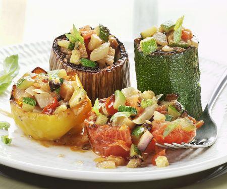 Gebackenes Gemüse mit Füllung