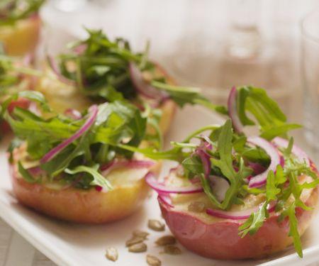 Gebratene Äpfel mit Zwiebel-Rucola-Salat
