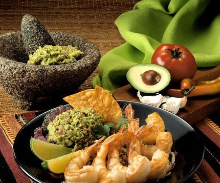 Gebratene Garnelen mit Guacamole