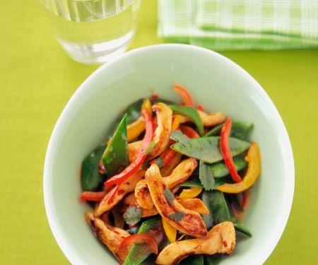 Gebratene Hähnchenstreifen mit Gemüse