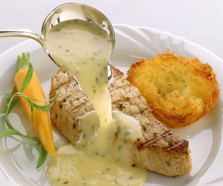 Gebratener Lachs mit Weißweinsauce