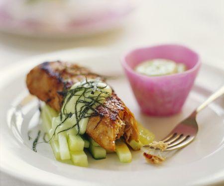 Gebratener Thunfisch mit Gurken