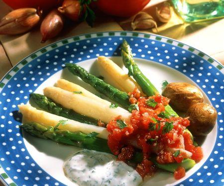 Gedämpfter Spargel mit Kräuterdip und Tomatensalsa