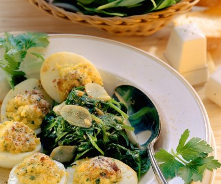 Gefüllte Eier mit Spinat