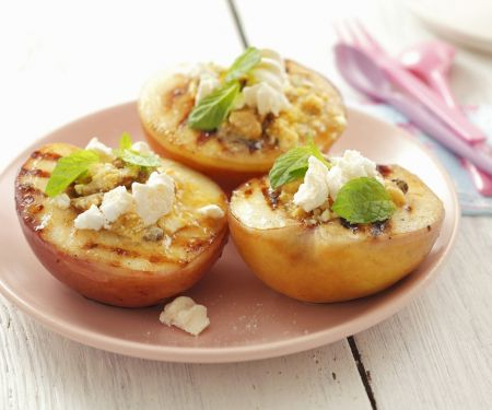 gegrillte Pfirsiche mit Baiser
