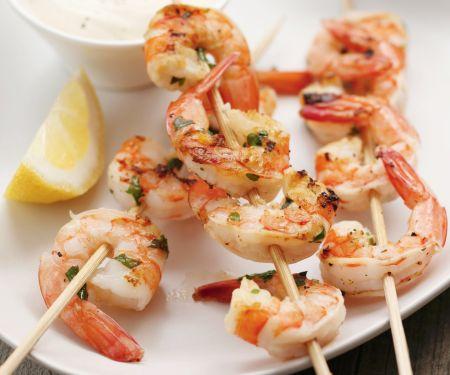 Gegrillte Shrimpsspieße