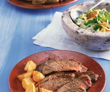 Gegrilltes Steak mit Kartoffeln