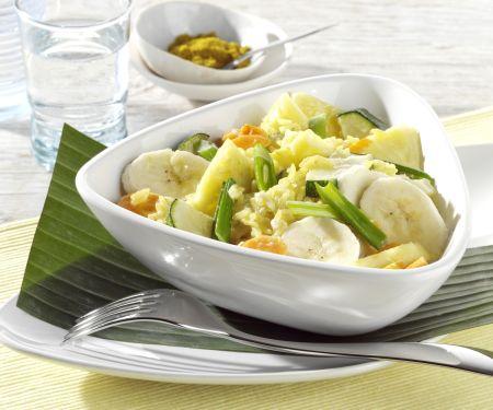 Gemüse-Curry mit Ananas und Bananen