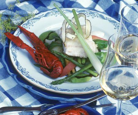 Gemüse mit Krebsen und Fisch