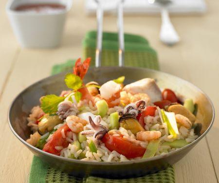 Gemüse-Reispfanne mit Meeresfrüchten