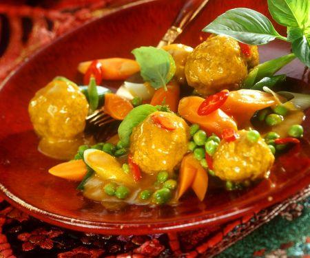 Gemüsecurry mit Fleischbällchen