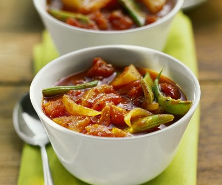 Gemüsesuppe mit grünen Bohnen