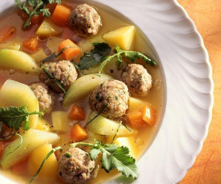 Gemüsesuppe mit Hackfleischbällchen