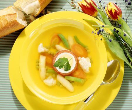 Gemüsesuppe mit Hühnerbrühe