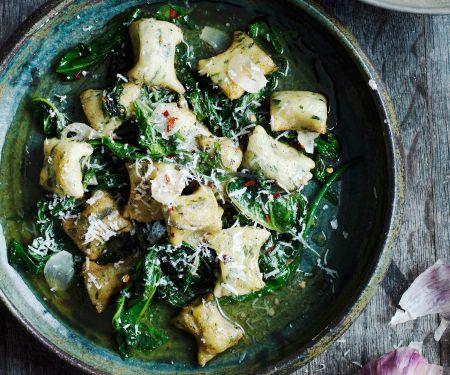 Gnudi mit Grünkohl und Parmesan