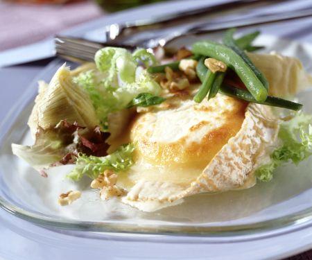 Gratinierter Ziegenkäse mit Artischocken-Bohnen-Salat
