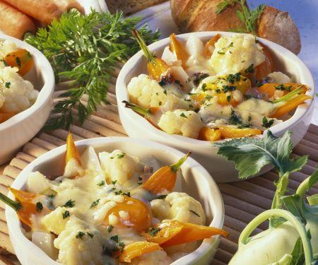 Gratiniertes Gemüse mit Ei und Käse