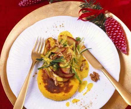 Grießküchlein mit Apfel und Currysauce