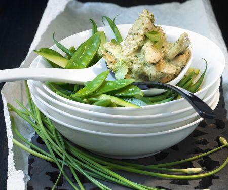 Grünes Curry auf thailändische Art mit Hähnchen
