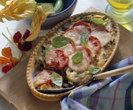 Hack-Gemüse-Gratin mit Tomaten und Mozzarella