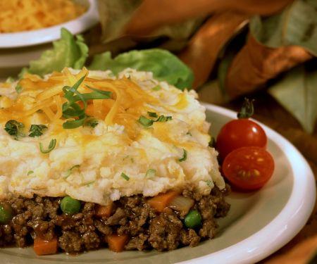 Hackfleisch-Kartoffelbrei-Auflauf mit Cheddar