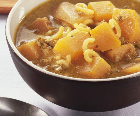 Hackfleisch-Kürbissuppe mit Nudeln