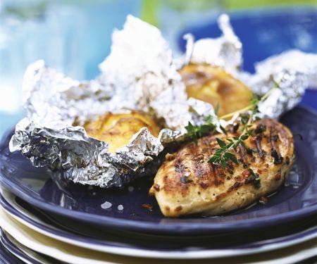 Hähnchebrust mit Folienkartoffeln vom Grill