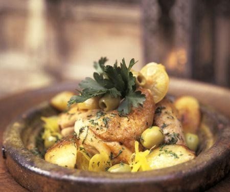 Hähnchen mit Oliven und Salzzitronen aus der Tajine