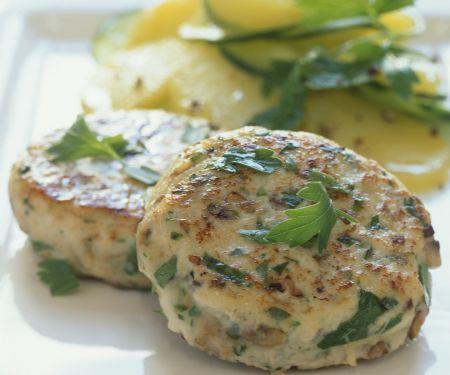 Hähnchen-Pilz-Buletten mit Kartoffelsalat