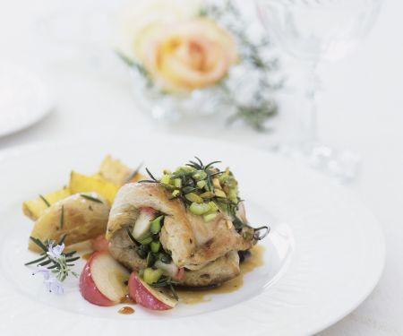 Hähnchen-Pistazien-Roulade