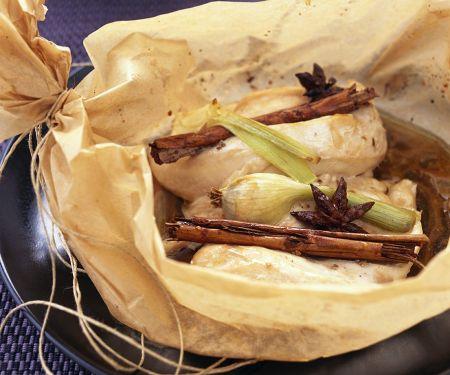 Hähnchenbrust in Papier gebacken