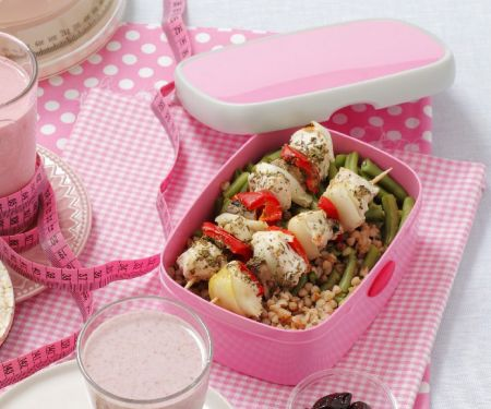 Hähnchenspieße mit Buchweizen-Bohnen-Salat