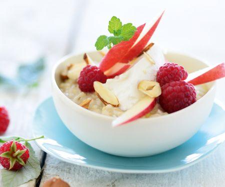 Hafer-Hirse-Porridge mit Obst