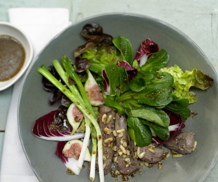 Rezept: Herbstlicher Salat mit Lammfilet