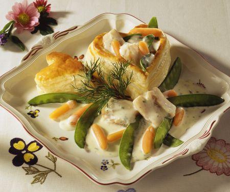 Herz-Pastete mit Seelachs, Karotten und Kaiserschoten