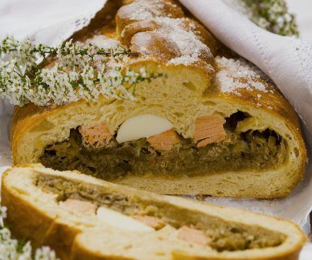 Herzhafte Pastete mit Kohl und Fisch auf polnische Art