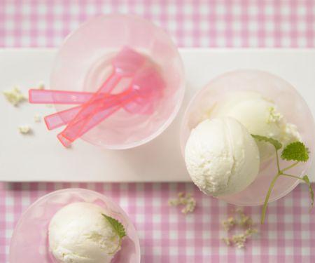 Holunderblüten-Joghurt-Eis