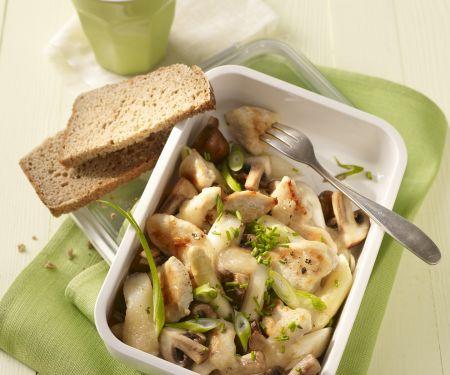 Hühnchenbrust mit Champignons, Spargel und Lauchzwiebeln