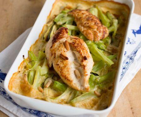 Hühnerbrust mit gratiniertem Brokkoli-Zucchini-Gemüse