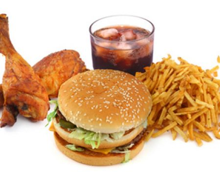 Entsteht Übergewicht bei Kindern durch Fastfood?