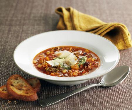 Italienische Gemüsesuppe mit Pesto