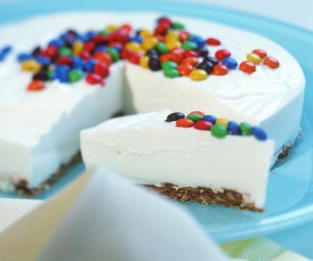 Joghurt-Mandel-Nougat-Torte mit Schokolinsen