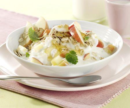 Joghurt mit Honig und Apfel